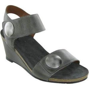 Taos gray Carousel Wedge Sandals size 10